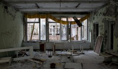 Abandoned building in Pripyat. Image by Pedro Moura Pinheiro: http://www.flickr.com/photos/pedromourapinheiro/sets/72157603933583913