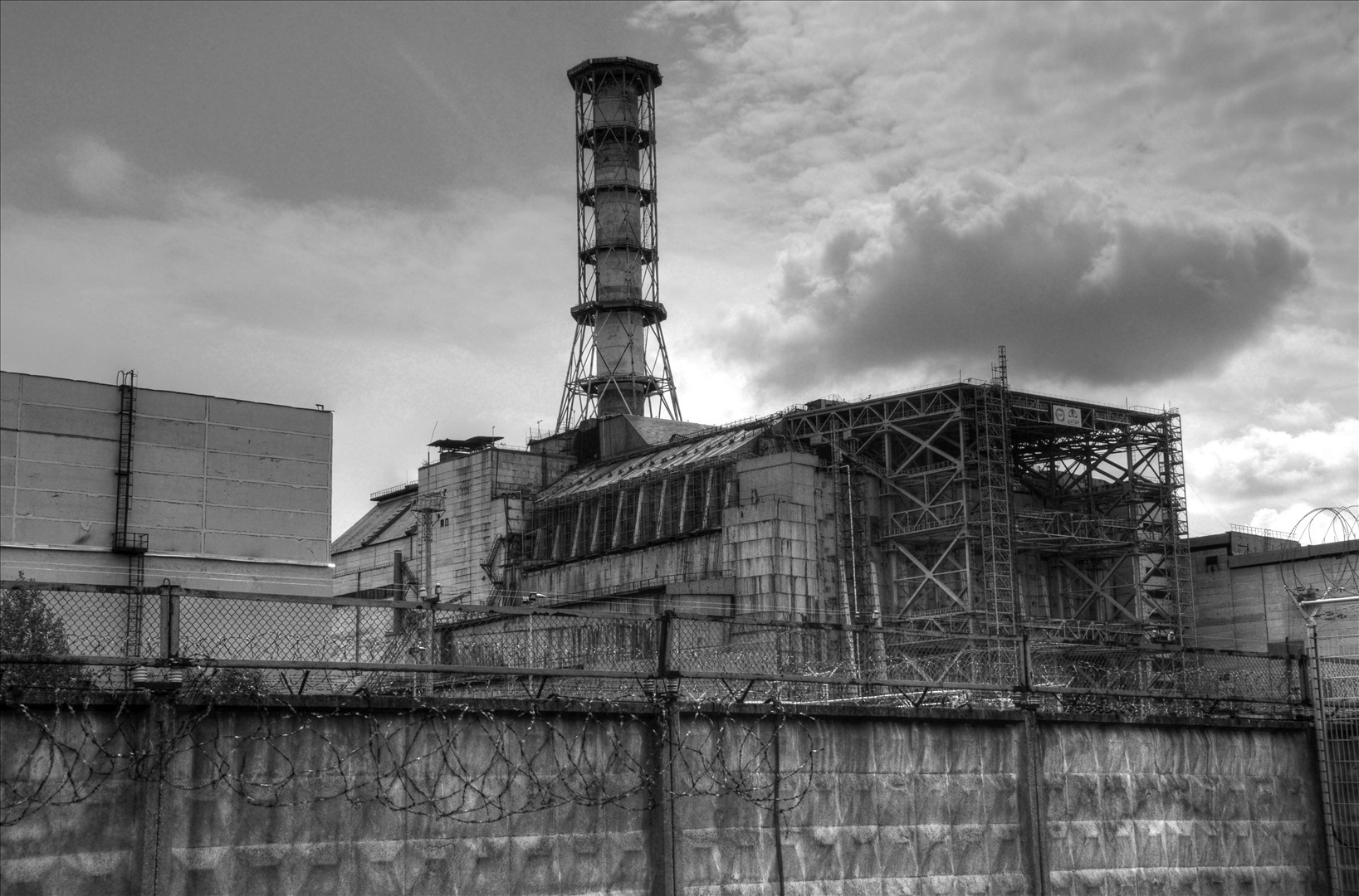 Chernobyl. Photo by Kamil Porembiński: http://www.fotopedia.com/items/flickr-3724330480